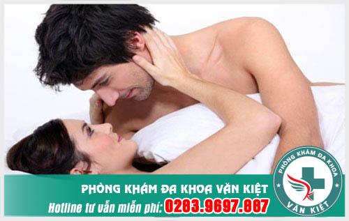 quan hệ không an toàn dễ mắc mụn rộp sinh dục