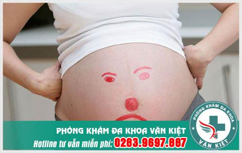 Khi mang thai, huyết trắng sẻ tiết ra nhiều hơn bình thường