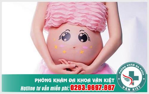 Chớ xem thường tình trạng ra huyết trắng khi mang thai