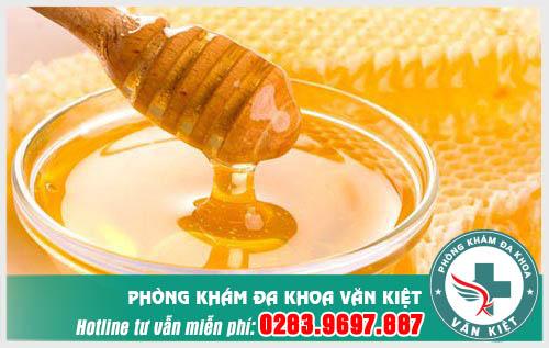 Chữa bệnh viêm họng bằng mật ong có được không?
