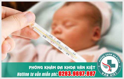Chữa bệnh viêm họng cho trẻ sơ sinh