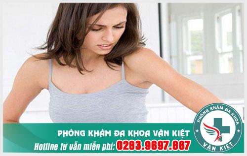 Đau bụng và ra máu sau khi đặt vòng tránh thai có sao không?