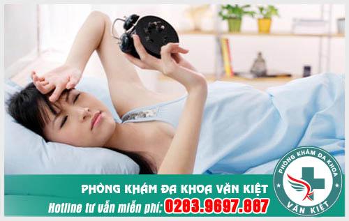 Đau mỏi vai gáy sau khi ngủ dậy có nguy hiểm không?