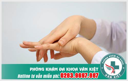 Đau nhức xương khớp tê bì chân tay nguyên nhân và cách điều trị