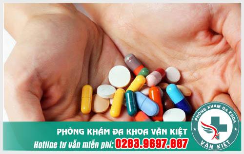 Đi ngoài ra máu tươi uống thuốc gì?
