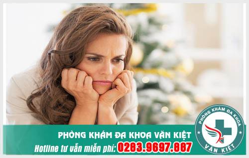 Khí hư ra nhiều có liên quan tới viêm lộ tuyến cổ tử cung không?