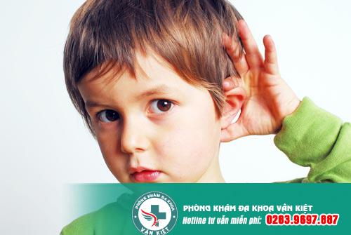 Điểm danh những triệu chứng thường gặp của viêm tai giữa