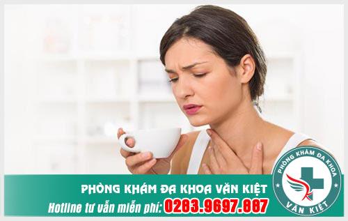 Nuốt nước bọt đau cổ họng là triệu chứng bệnh gì nguy hiểm không?