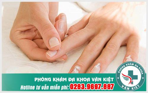 Triệu chứng tê đầu ngón tay bàn tay