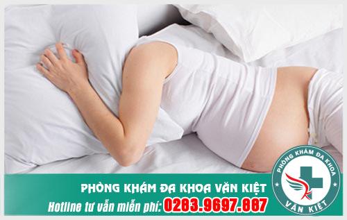 Viêm đường tiết niệu khi mang thai phải làm sao?