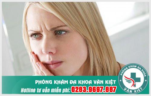Viêm họng chảy máu là bị gì có nguy hiểm không?