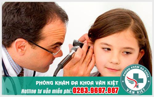 Viêm tai giữa thanh dịch là gì và nguyên nhân gây bệnh?